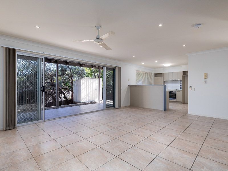 2/220 Patricks Road, Ferny Hills QLD 4055, Image 0