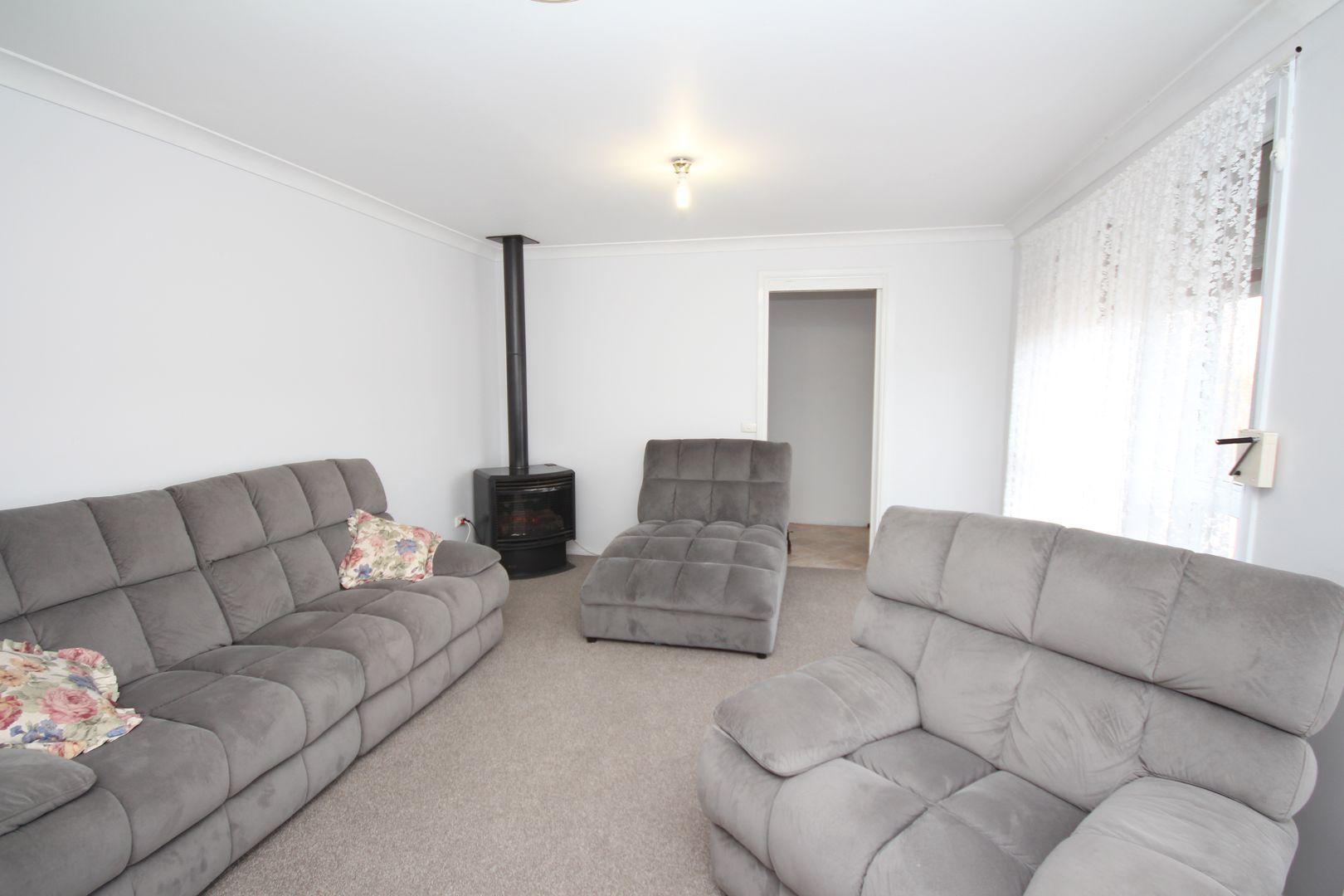 127 Curtis Street, Oberon NSW 2787, Image 2