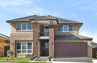 28 Mary Wade Place, Carnes Hill NSW 2171