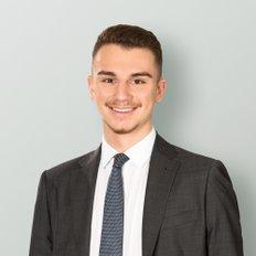 Armmano Lazic, Sales representative