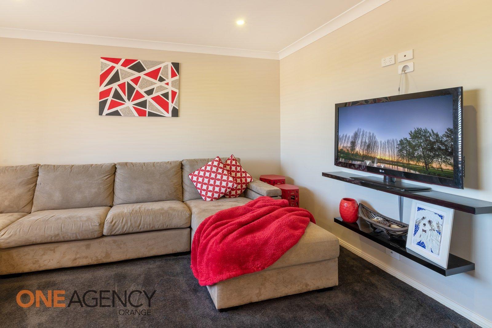 28 Molloy Drive, Orange NSW 2800, Image 2