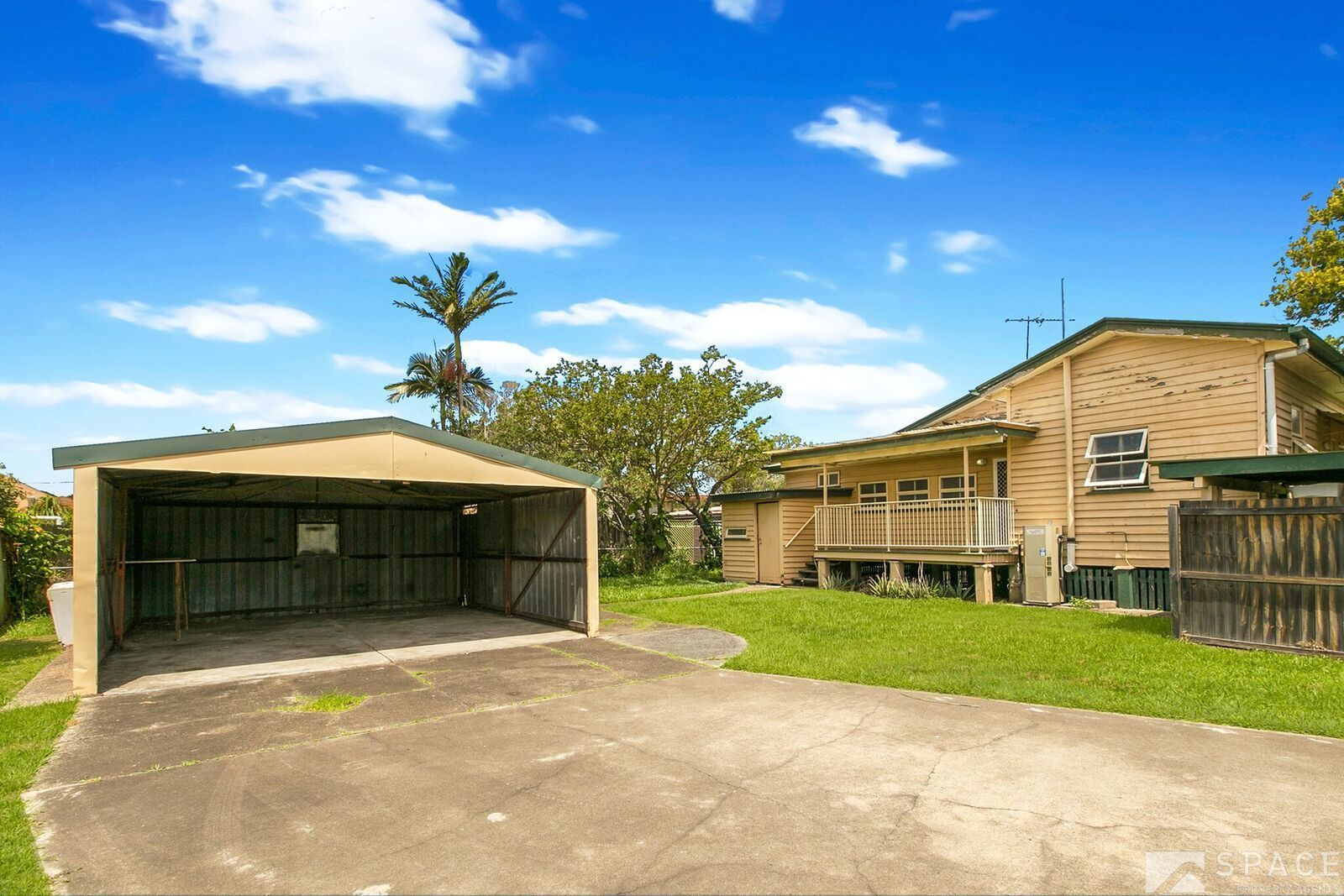 2/82 Raceview Avenue, Hendra QLD 4011, Image 1