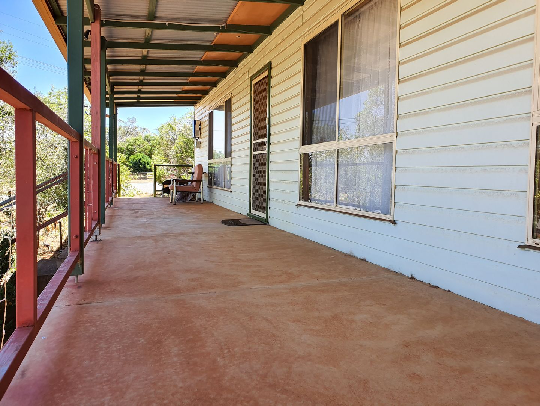 28 CASSITERITE CRESCENT, Ardlethan NSW 2665, Image 2