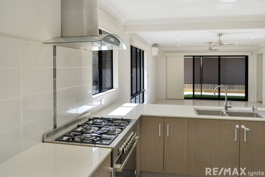 17 Rise Place, Heathwood QLD 4110, Image 2