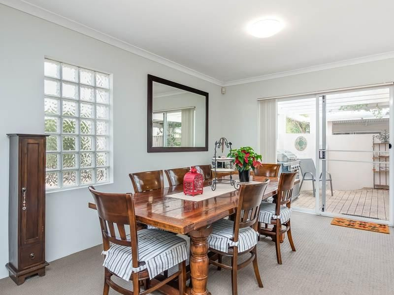 2/9 Macleod Road, Applecross WA 6153, Image 0