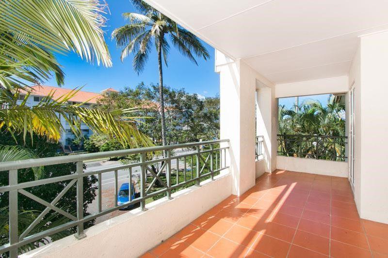 7/327 Lake Street, Cairns North QLD 4870, Image 1
