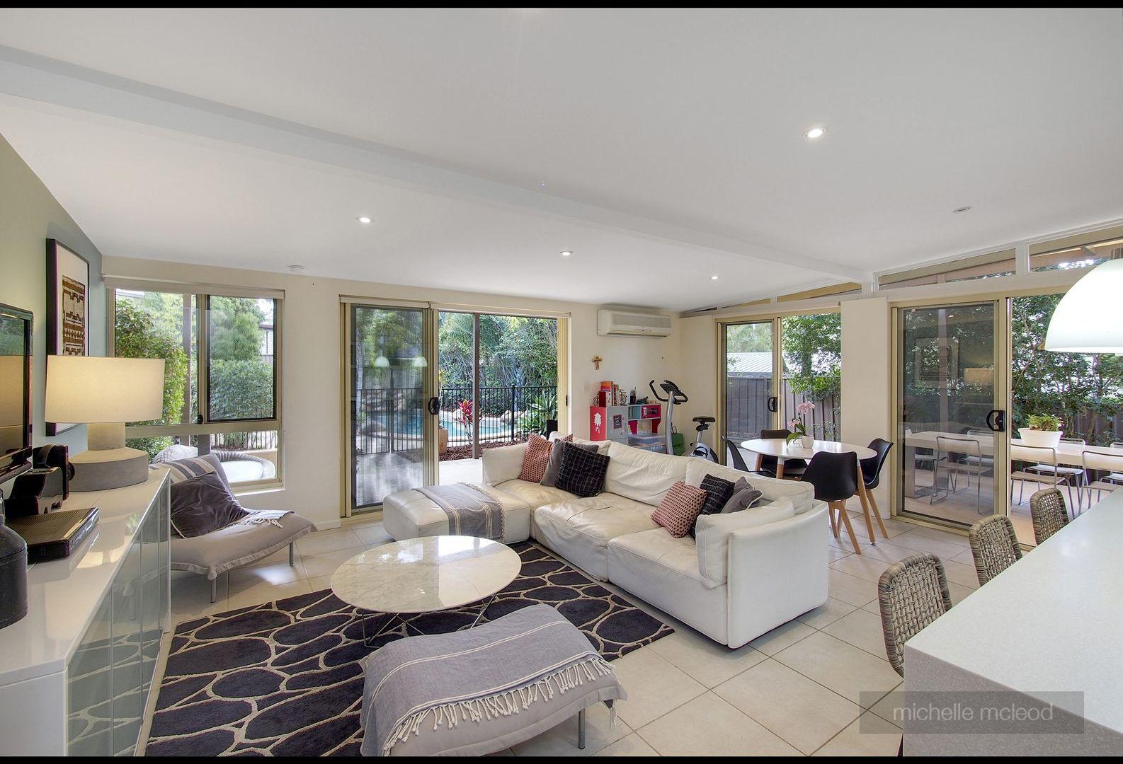 9 Eccleston Street, Fig Tree Pocket QLD 4069, Image 2