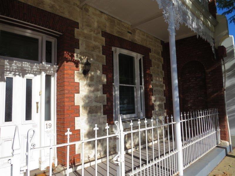 19 Point Street, Fremantle WA 6160, Image 2