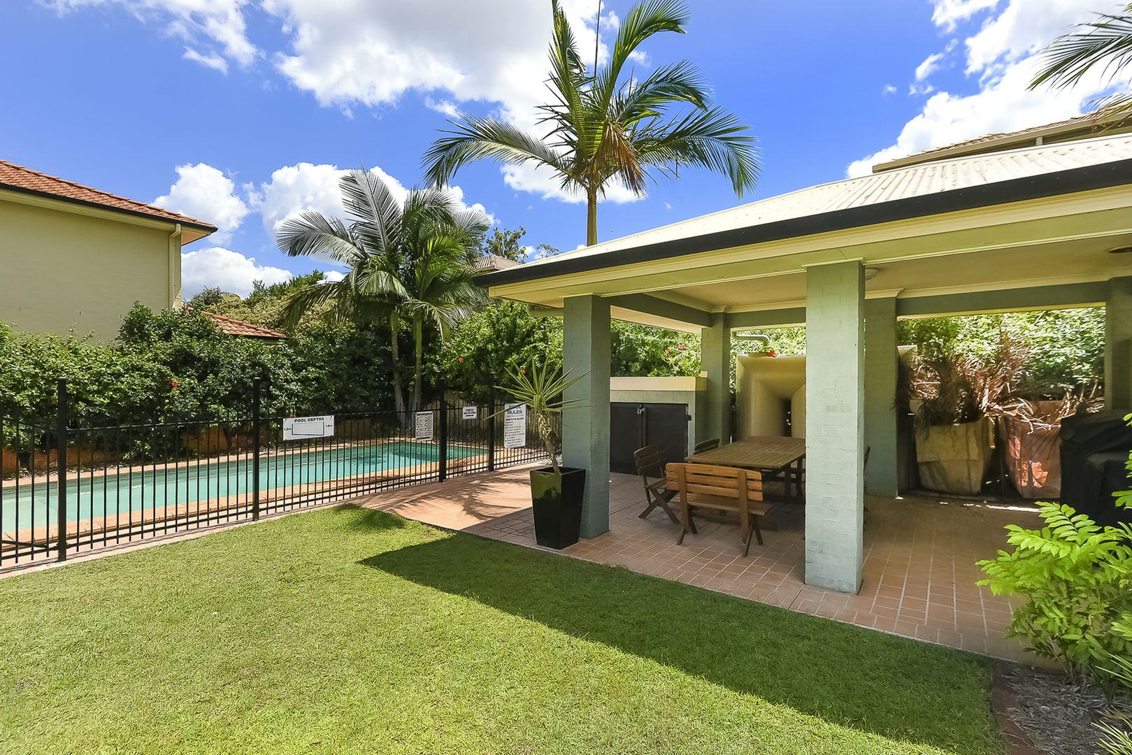 Unit 4/210 Government Rd, Forest Lake QLD 4078, Image 2