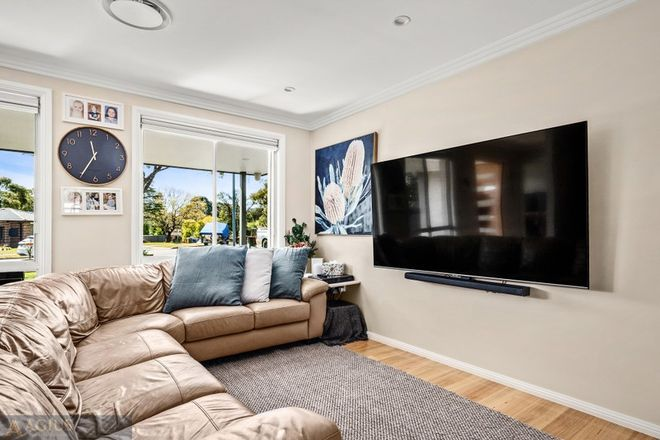 Picture of 19 Briscoe Crescent, KINGS LANGLEY NSW 2147