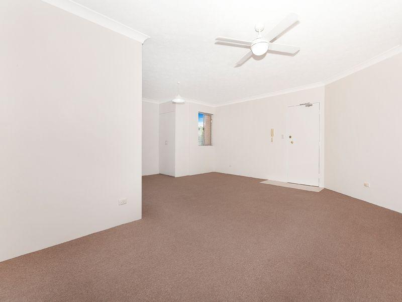 4/51 Kidston Terrace, Chermside QLD 4032, Image 2