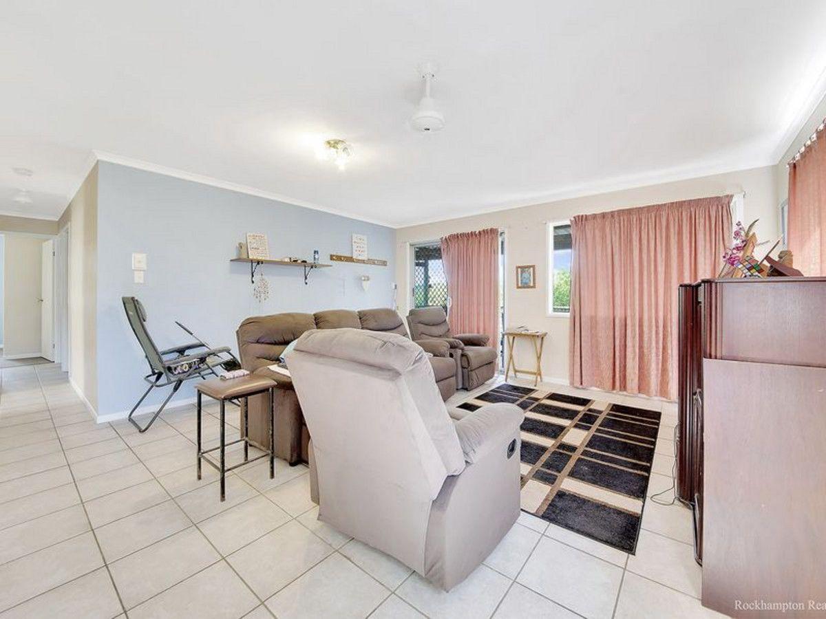 54 POPLAR Street, Cooee Bay QLD 4703, Image 2