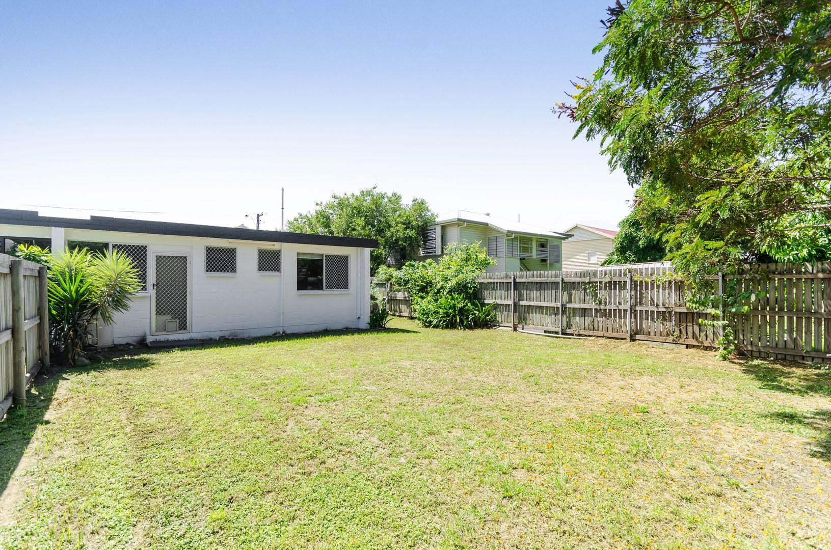 1/8 Barron Street, West End QLD 4810, Image 1