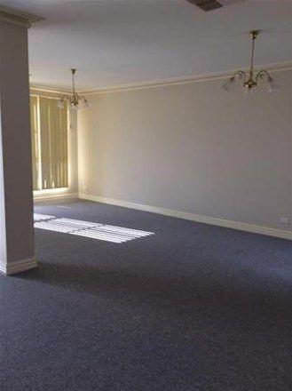 6 Herring Court, Roxburgh Park VIC 3064, Image 2