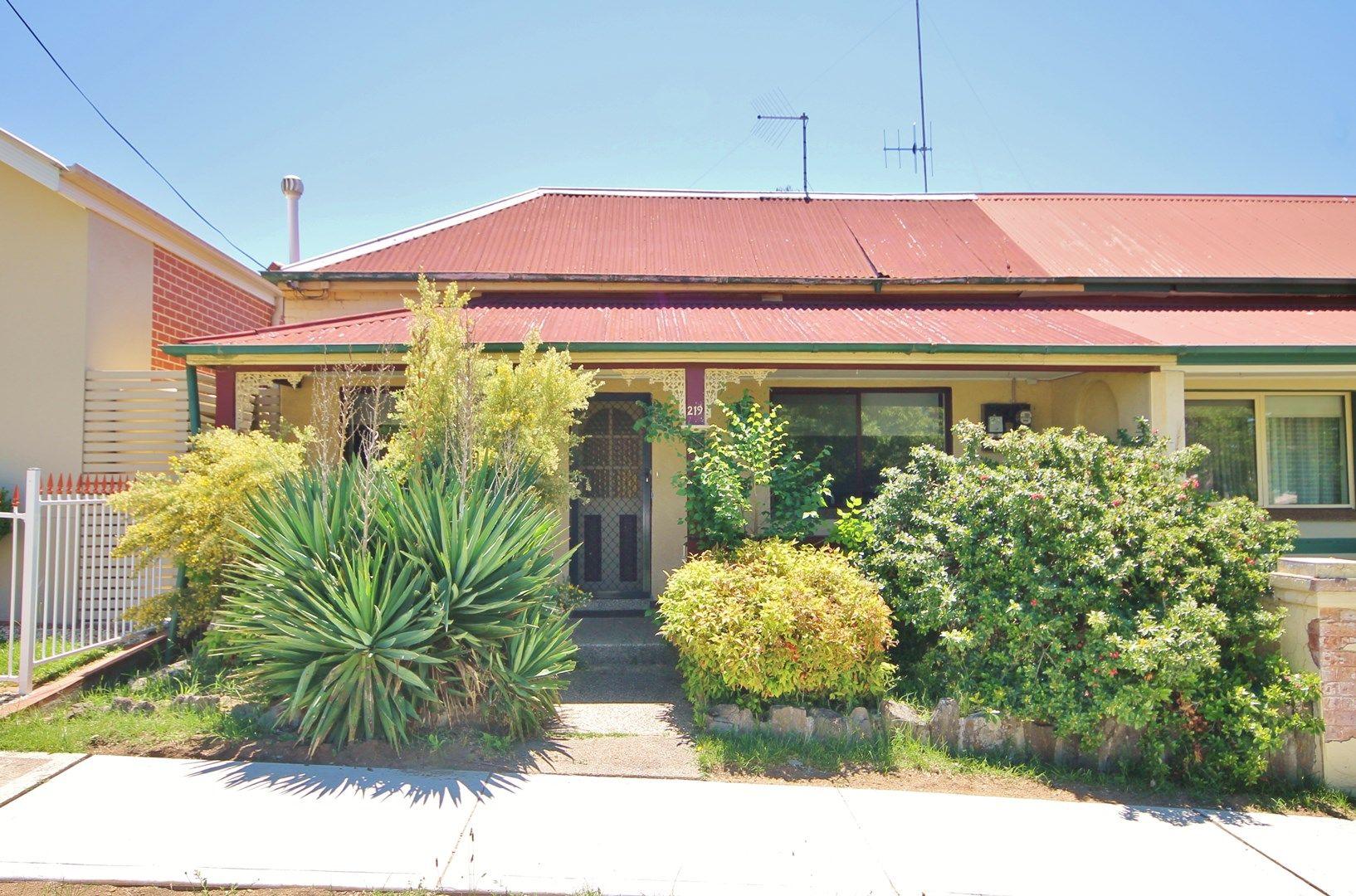 219 Bentinck Street, Bathurst NSW 2795, Image 0