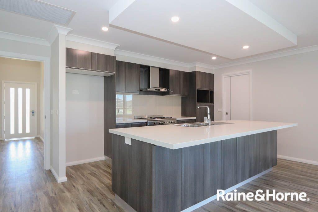 12 Fraser Drive, Eglinton NSW 2795, Image 1