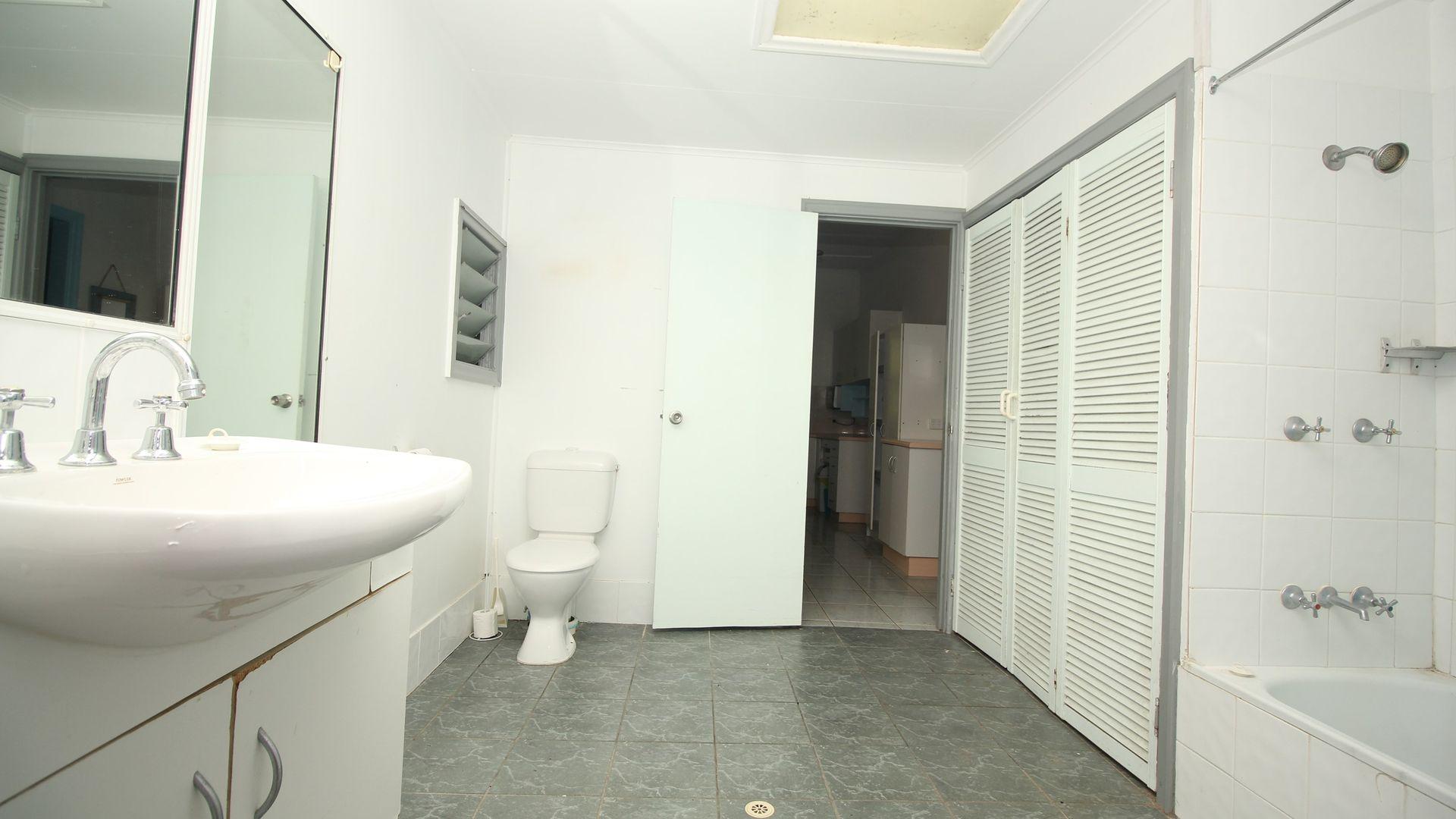 90 Todd Street, Railway Estate QLD 4810, Image 2