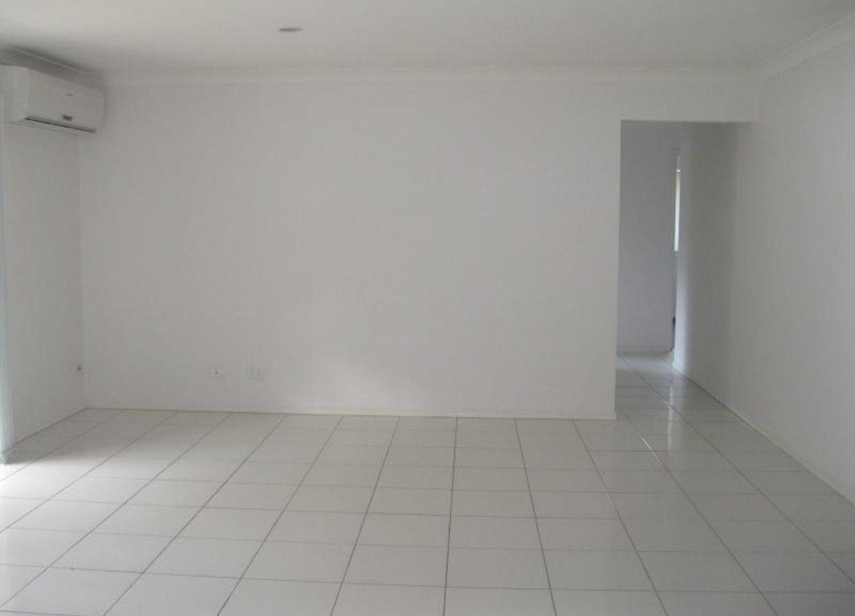 11 Pencarrow Crescent, Raceview QLD 4305, Image 1