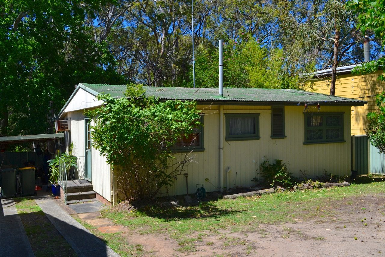 24 Rhodes Parade, Windermere Park NSW 2264, Image 0