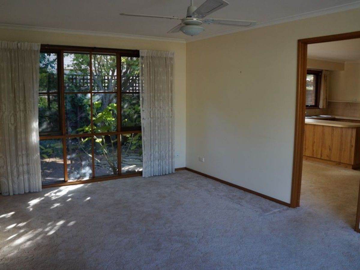 2/16 Dundas Street, Sale VIC 3850, Image 2