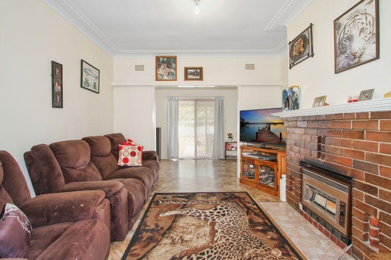 2 Bruce Street, Tamworth NSW 2340, Image 1