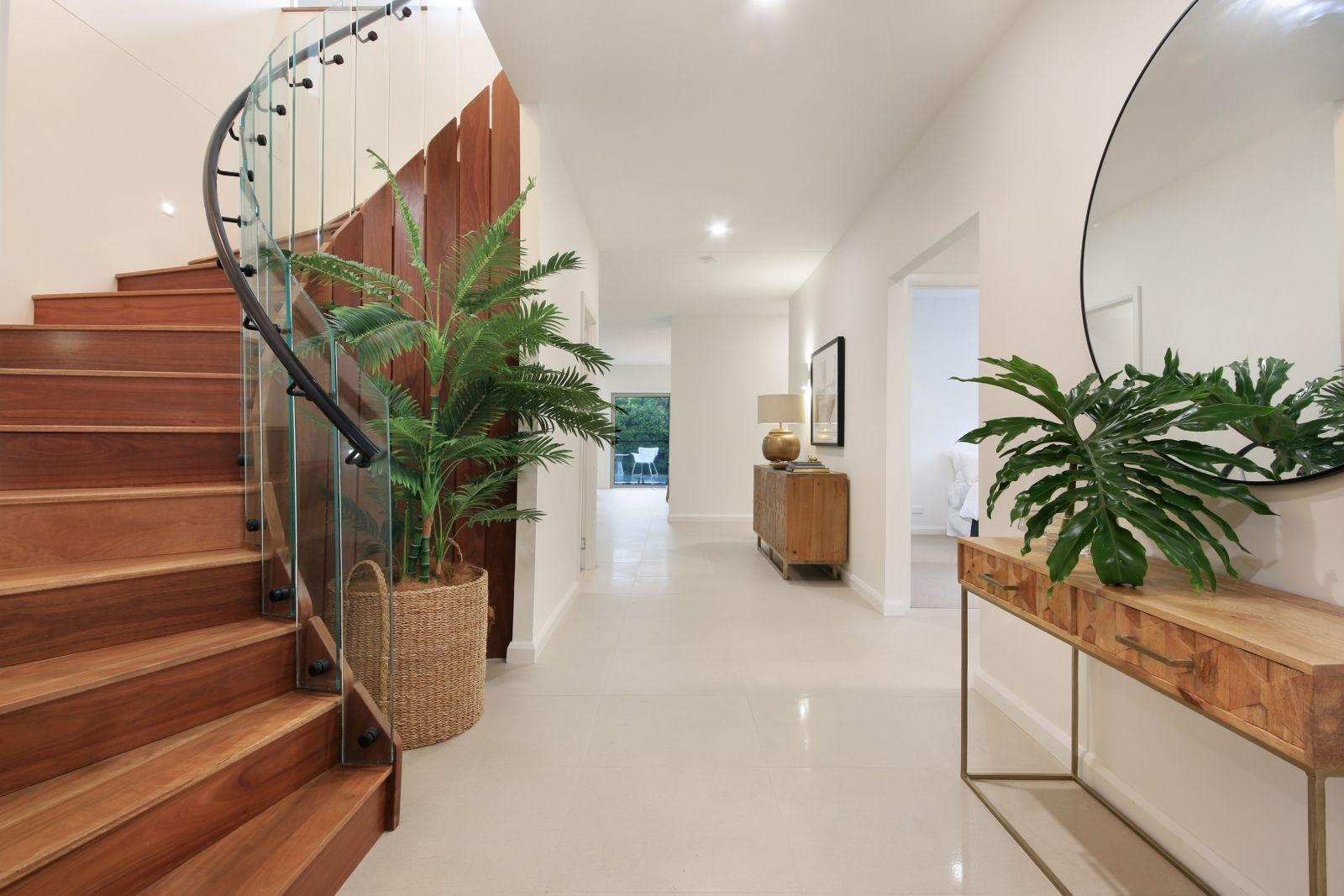 6 Kapala  Street, Southport QLD 4215, Image 2