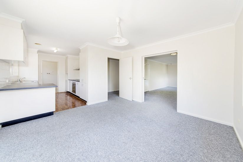 24 Hyndes Crescent, Holder ACT 2611, Image 2
