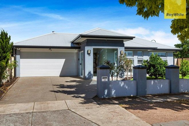 Picture of 19 Eglington Court, TAYLORS HILL VIC 3037