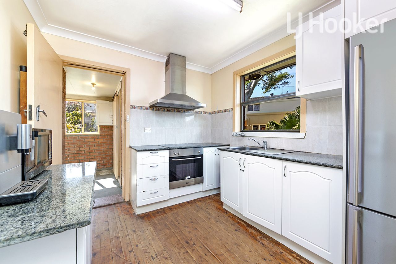 24 Warringah Road, Narraweena NSW 2099, Image 1
