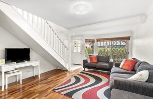 Picture of 2/135 Park  Road, Yeerongpilly QLD 4105
