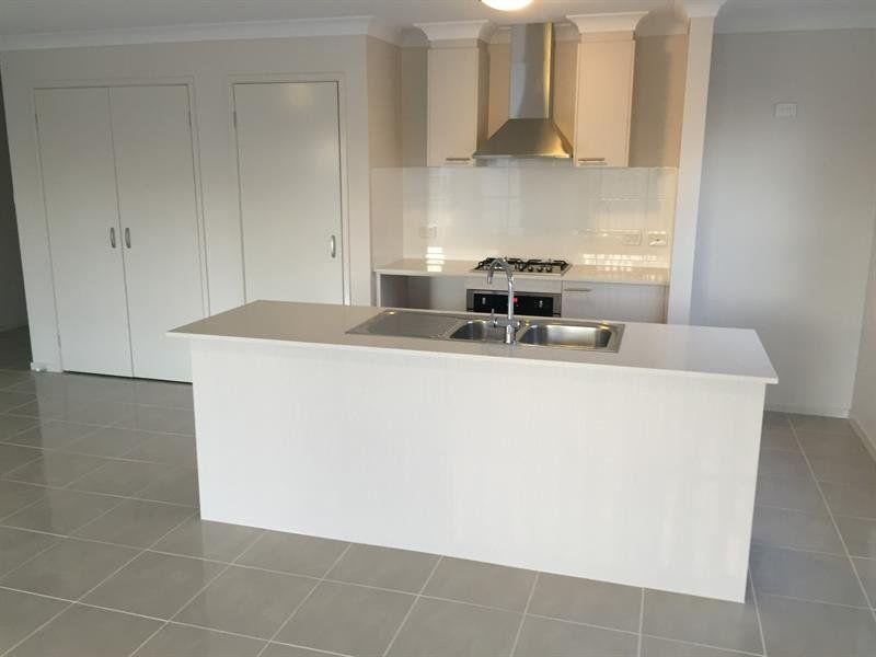 6 Dryander Avenue, Kellyville NSW 2155, Image 2