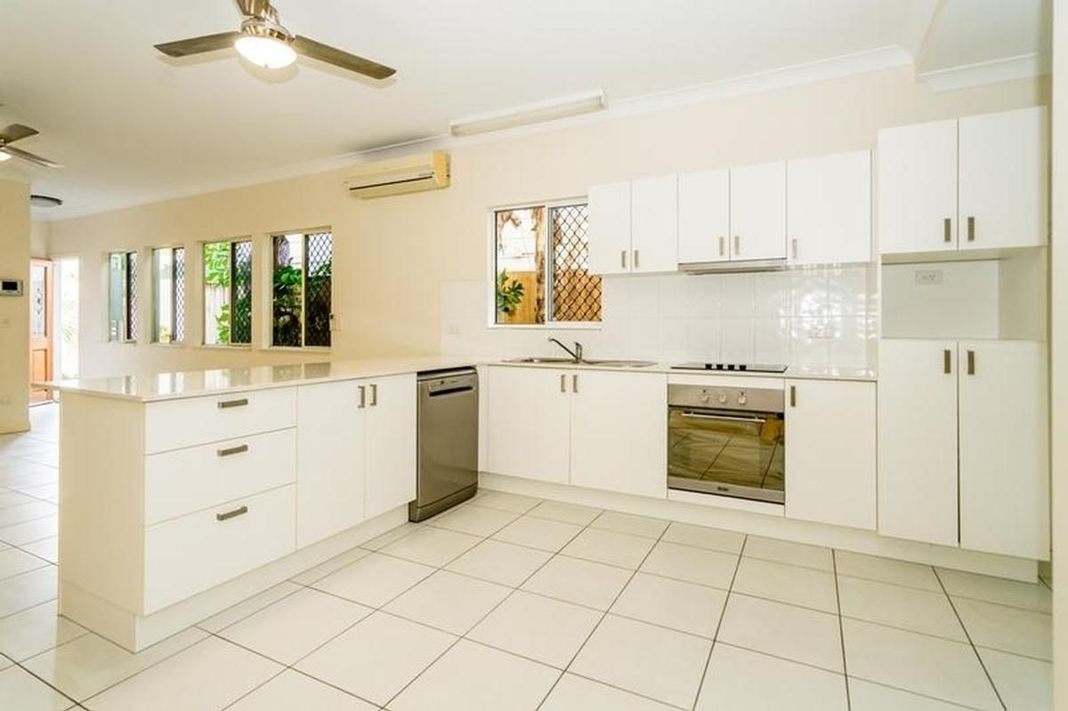 2/30A Charles Street, Cairns North QLD 4870, Image 2