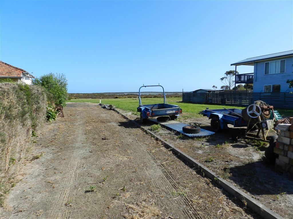 85 McLoughlins Road, Mcloughlins Beach VIC 3874, Image 2