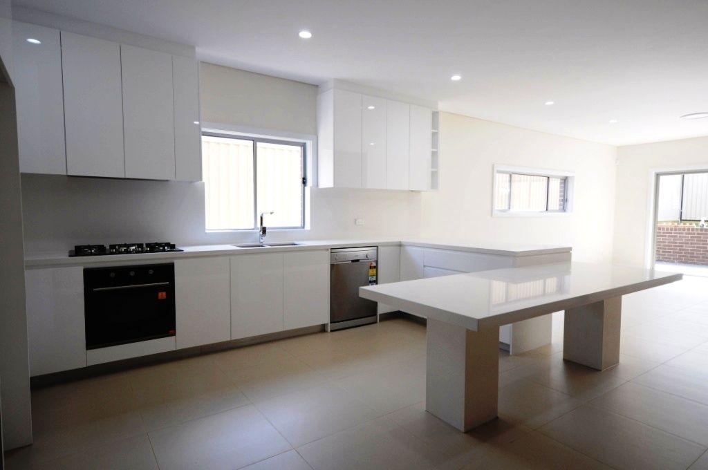 4 Warnock Street, Guildford NSW 2161, Image 2