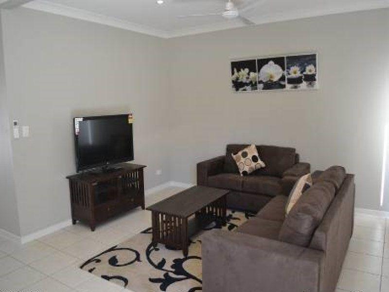 2/214 Oaka St, Gladstone Central QLD 4680, Image 1