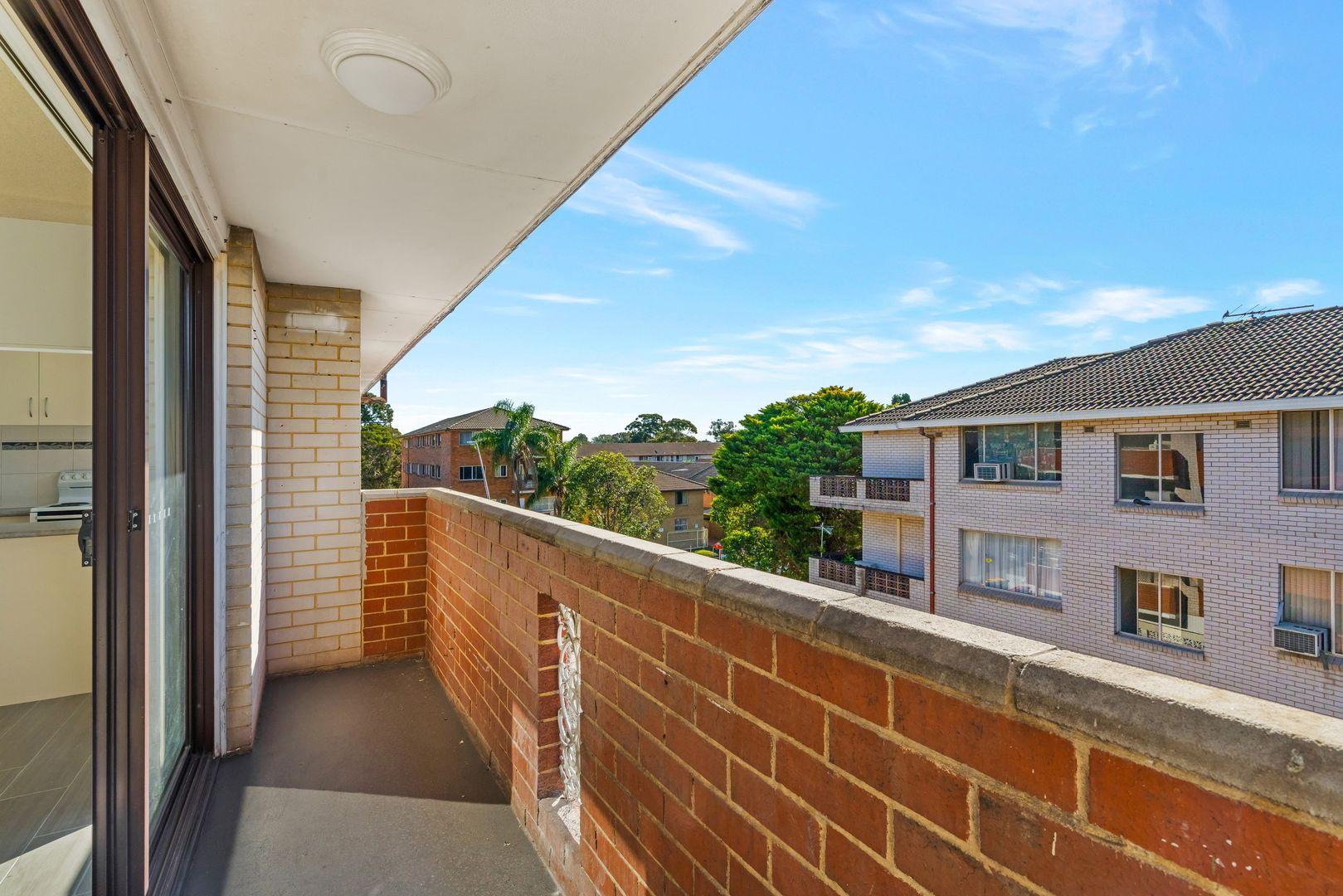 6/32 Hill Street, Cabramatta NSW 2166, Image 2