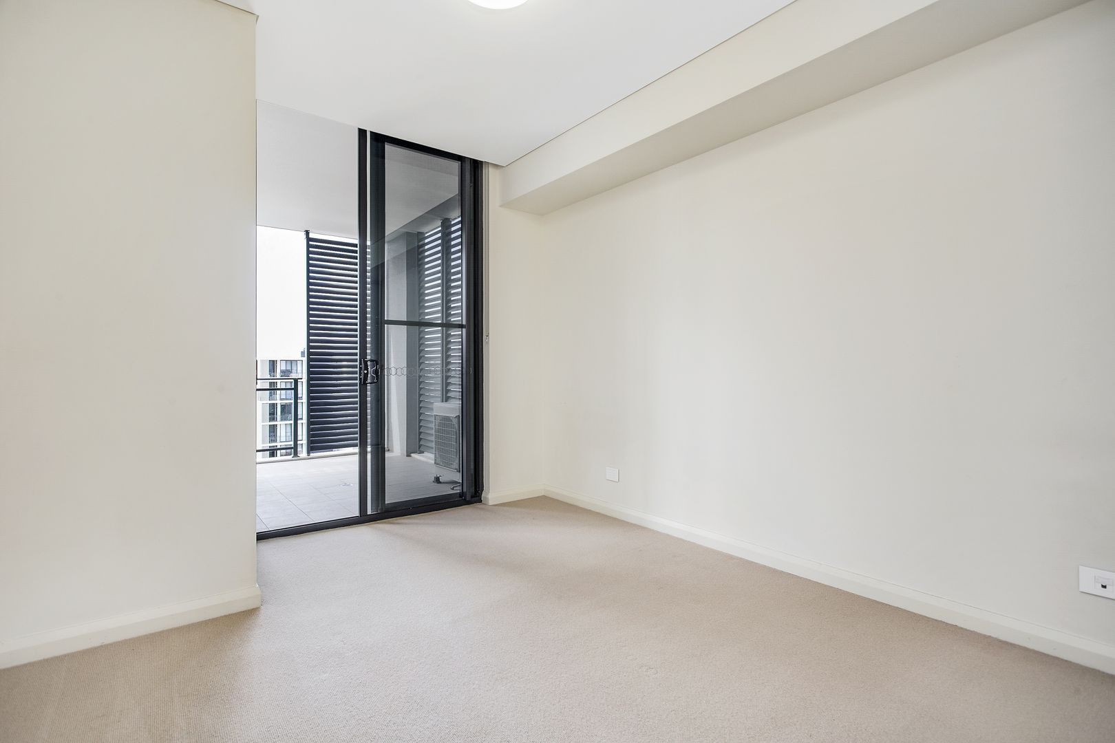726/26 Baywater Drive, Wentworth Point NSW 2127, Image 2