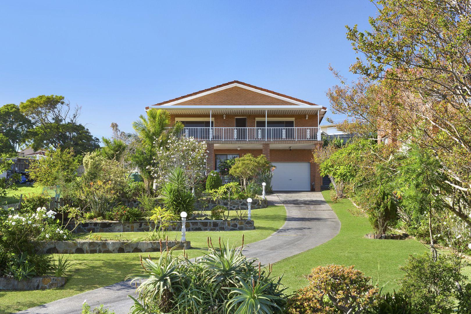 62 Hassan Street, Lake Heights NSW 2502, Image 0