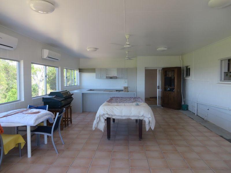 10 Kookaburra Terrace, Wunjunga QLD 4806, Image 2