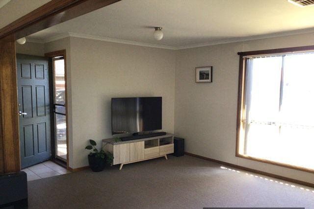 3 Hogan Place, Cobar NSW 2835, Image 2