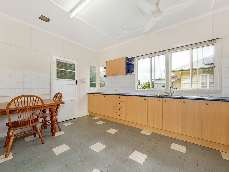 31 Chigwell Street, Wavell Heights QLD 4012, Image 2