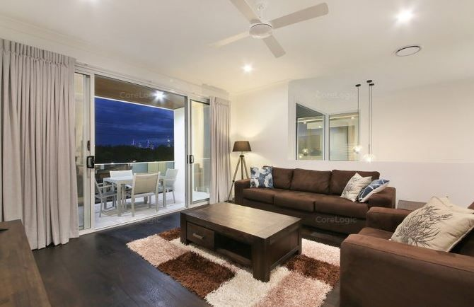 35 Ridgeway Avenue, Southport QLD 4215, Image 2