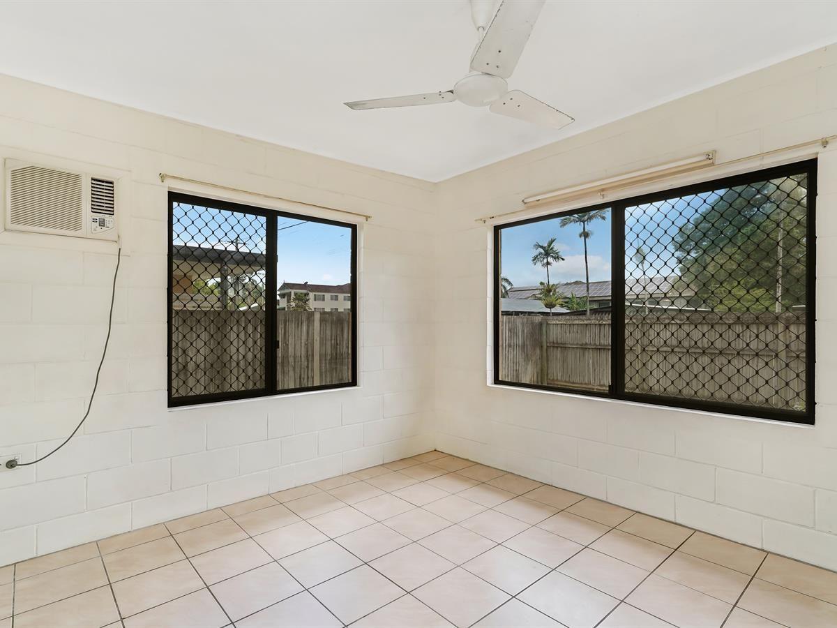 2/16 Herries Street, Earlville QLD 4870, Image 2