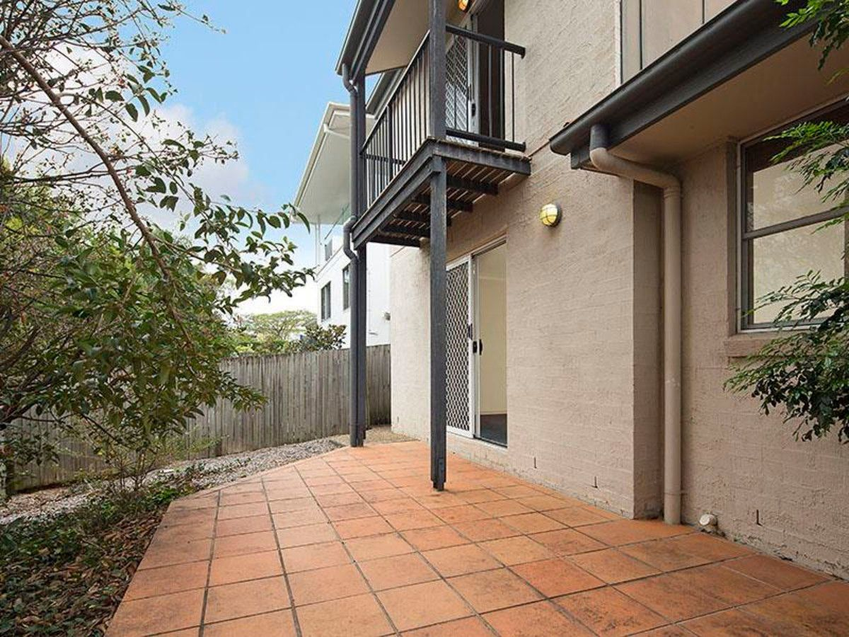 4/49 Nicholson Street, Greenslopes QLD 4120, Image 1