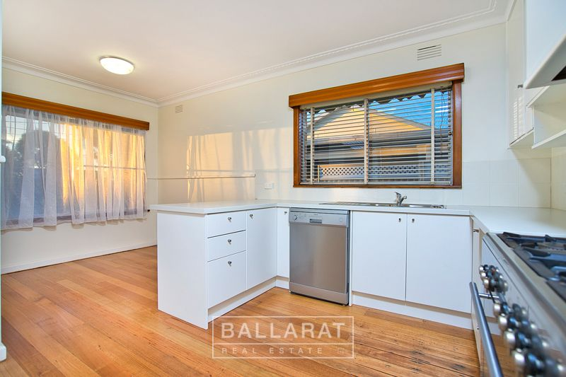 8 Ritchie  Street, Brown Hill VIC 3350, Image 1