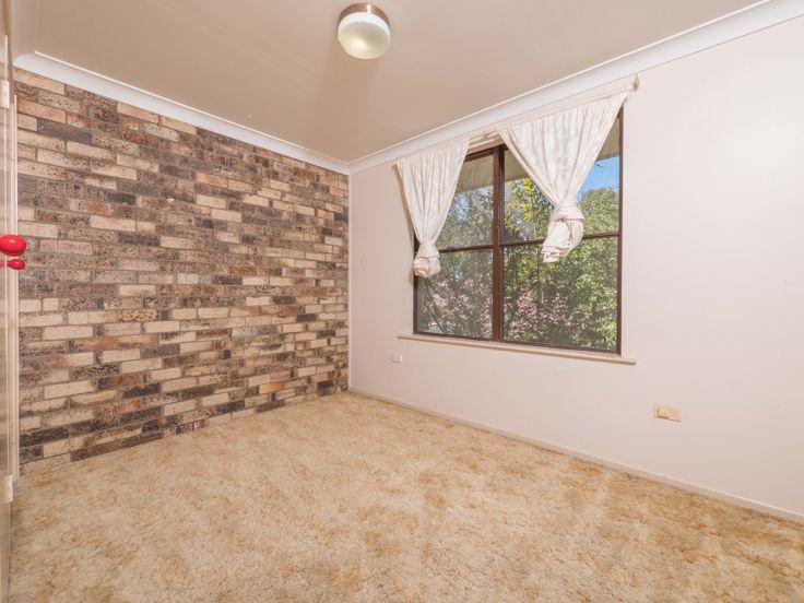 11 Kathleen Crescent, Armidale NSW 2350, Image 2