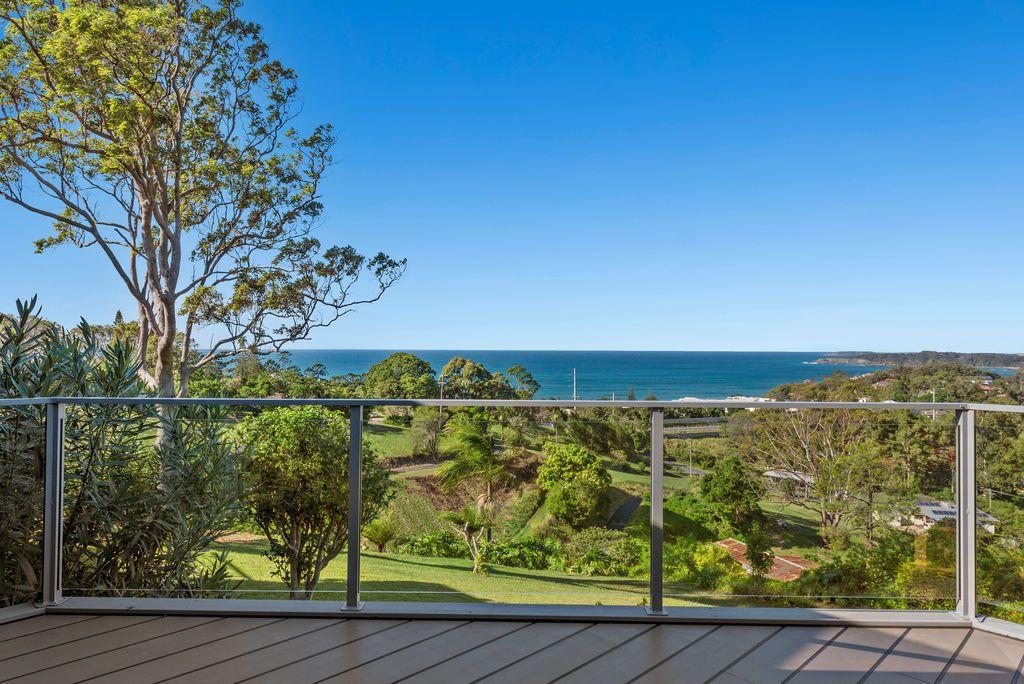 37 Campbell Cl, Korora NSW 2450, Image 2