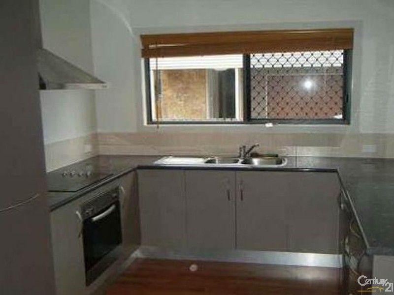 2/32 St Kilda Street, Bowen QLD 4805, Image 1