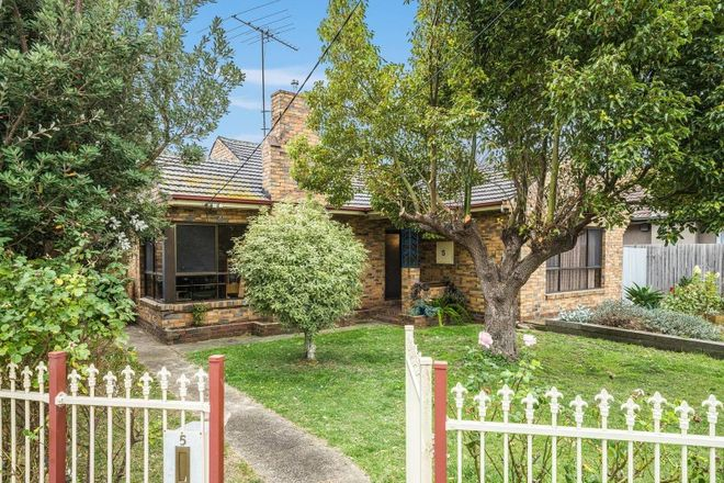 Picture of 5 Lancaster Avenue, NEWCOMB VIC 3219