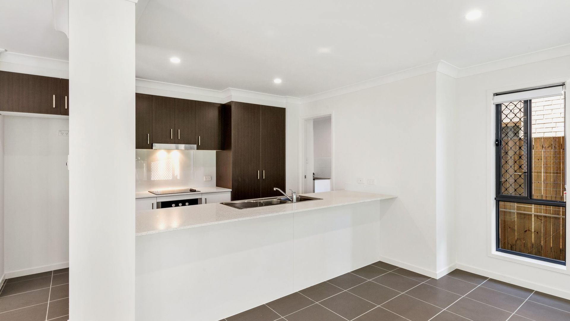 139a Scarborough Road, Redcliffe QLD 4020, Image 2